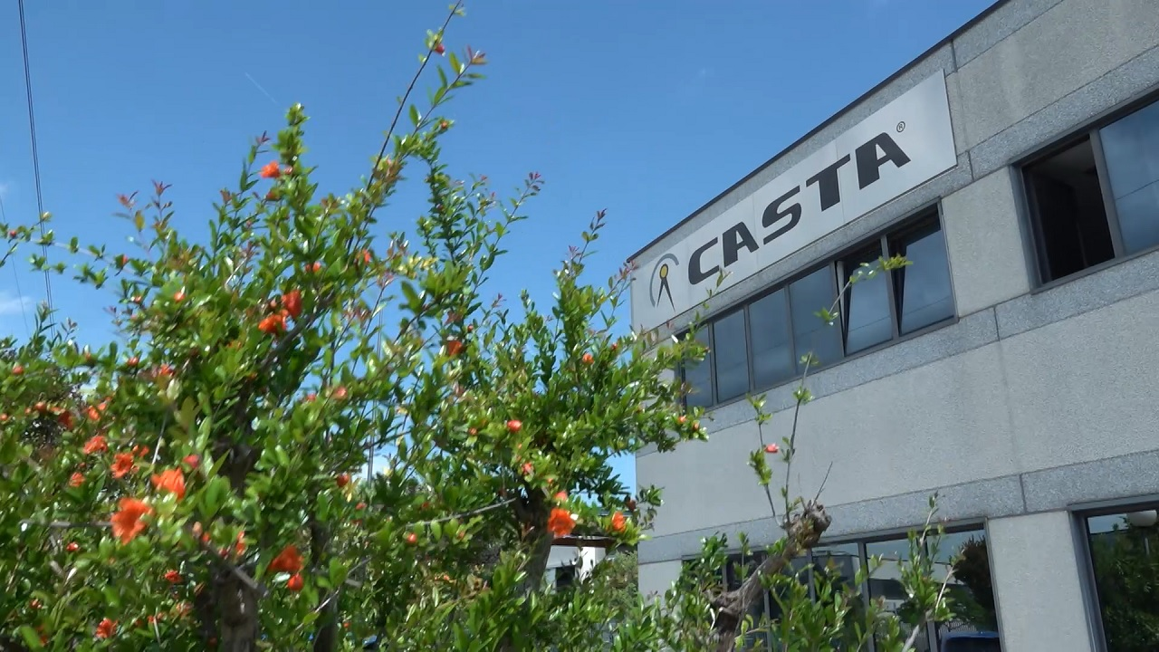 Casta Professional Cooking Equipment - Corporate English
